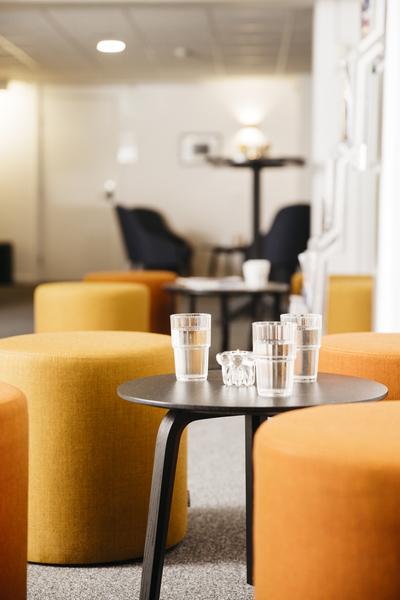 Oxen Lounge1.jpg